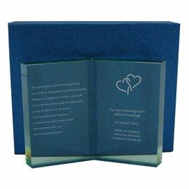 Glazen trofee in de vorm van een boek, 197x150mm