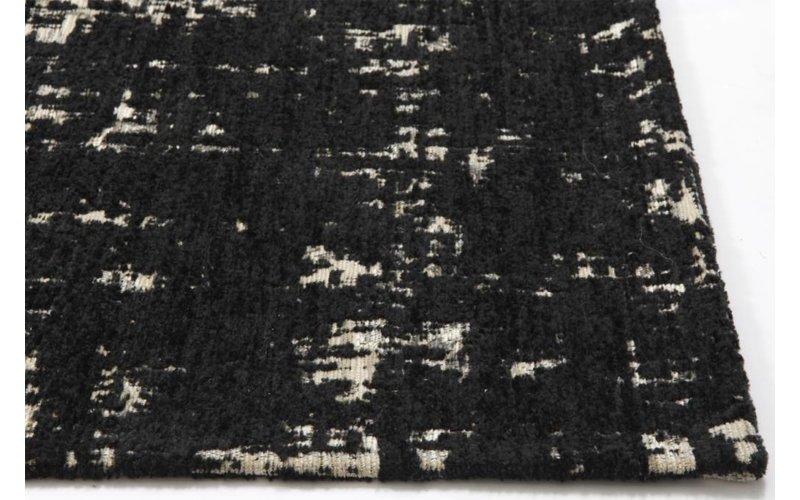 Odin 25 - Prachtig vintage vloerkleed in zwarte kleurstelling
