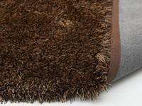 Chester 16 - Rond hoogpolig vloerkleed met een mix van Bruine garen