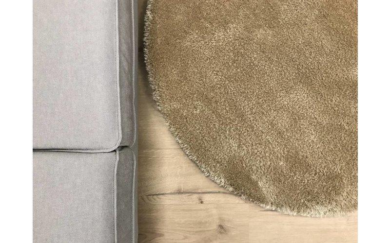 Ross 13 - Rond hoogpolig vloerkleed in beige kleurensamenstelling