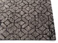 Noma 23 - Uniek geometrisch vloerkleed in steengrijze en zwarte kleursamenstelling