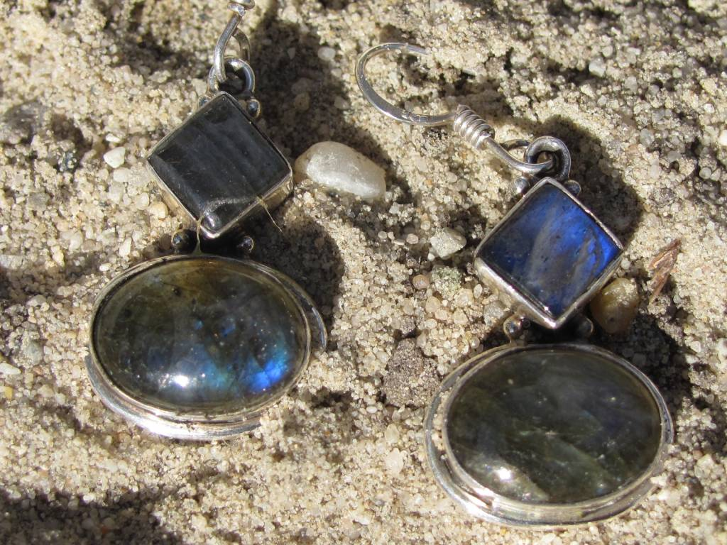 Earring silver with Labradorite