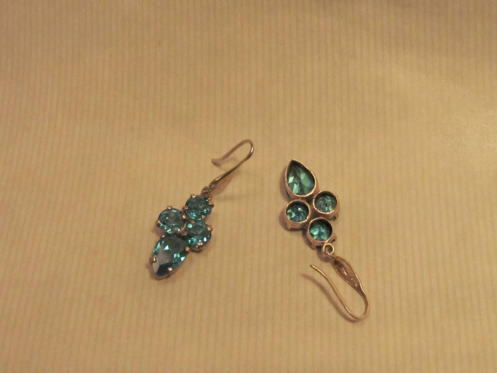 Earring silver with Blue zircon