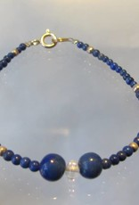 Bracelet from silver beads and lapis lazuli