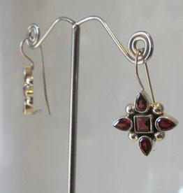 Earring silver garnet