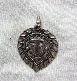 Pendant silver paduka