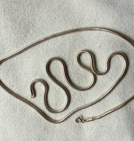 Halsketting zilver slang 1