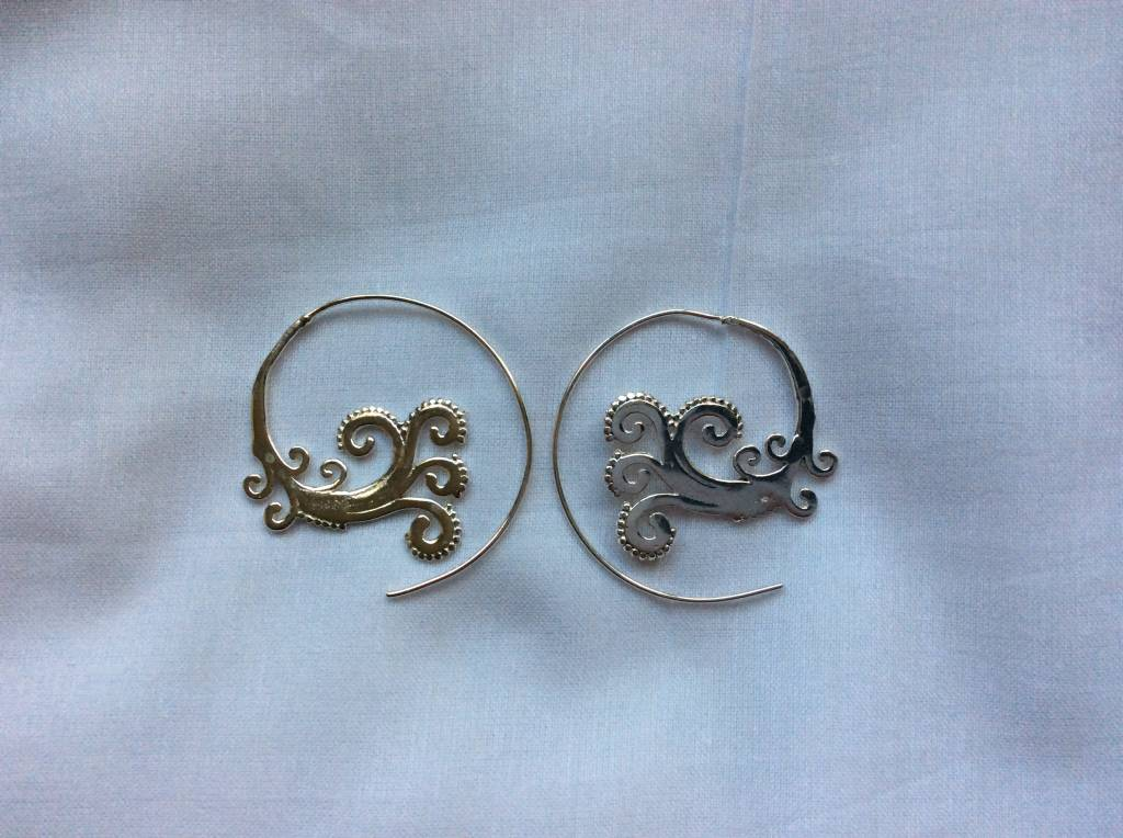 Earring silver colour curly wurly