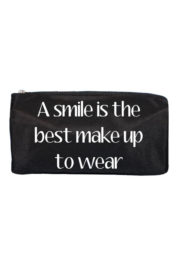 A SMILE IS THE BEST MAKE UP BAG