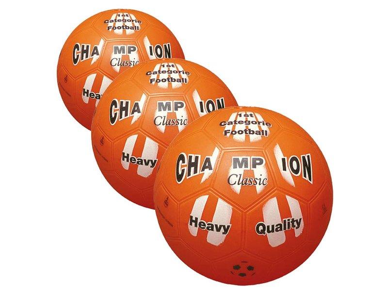 3 Plastic Ballen voor carbidschieten met een 30L melkbus