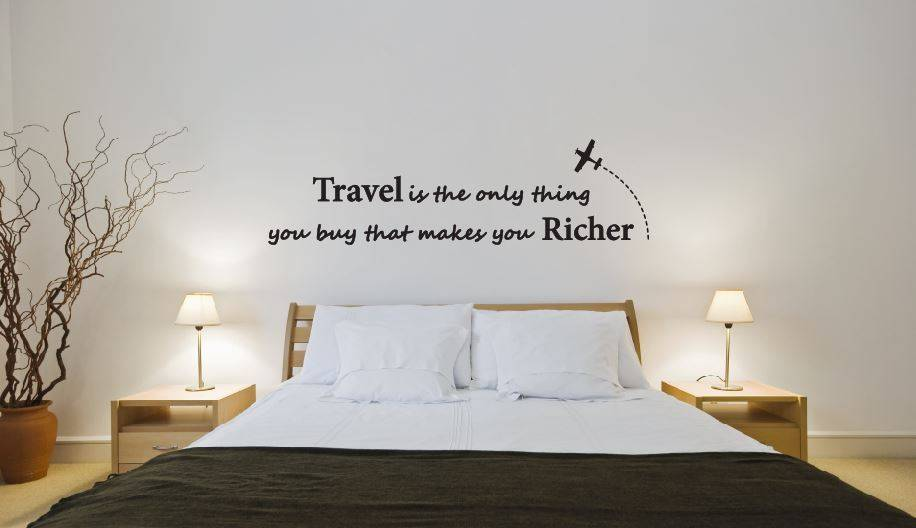 Muursticker Travel is the only thing you buy that makes you richer ...