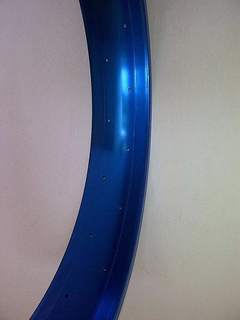 "alloy rim DW100, 26"", blue anodized"