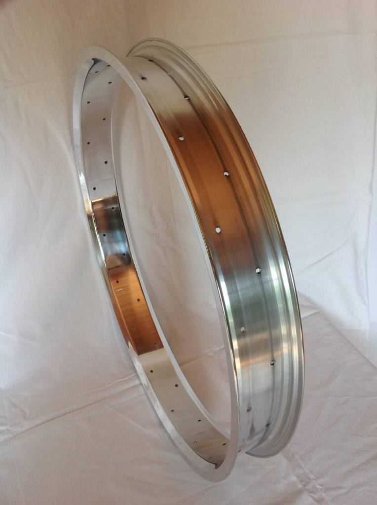 "alloy rim RM65, 24"", polished"