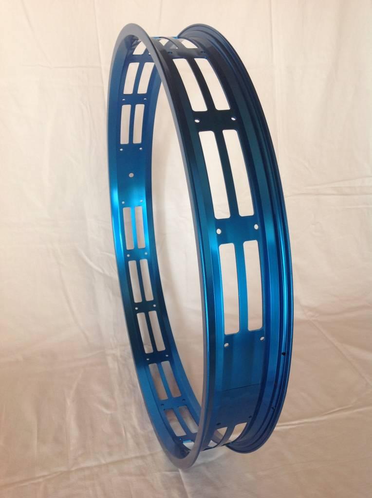 "RM80, 26"", cut-out, blau eloxiert, 32 Speichenlöcher"