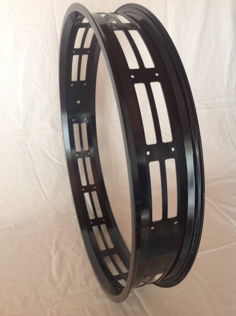 "cut-out rim RM80, 26"", black anodized, 32 spoke holes"