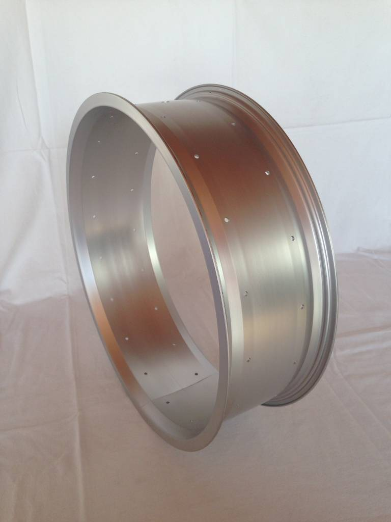 "alloy rim RM130, 24"", silver anodized"