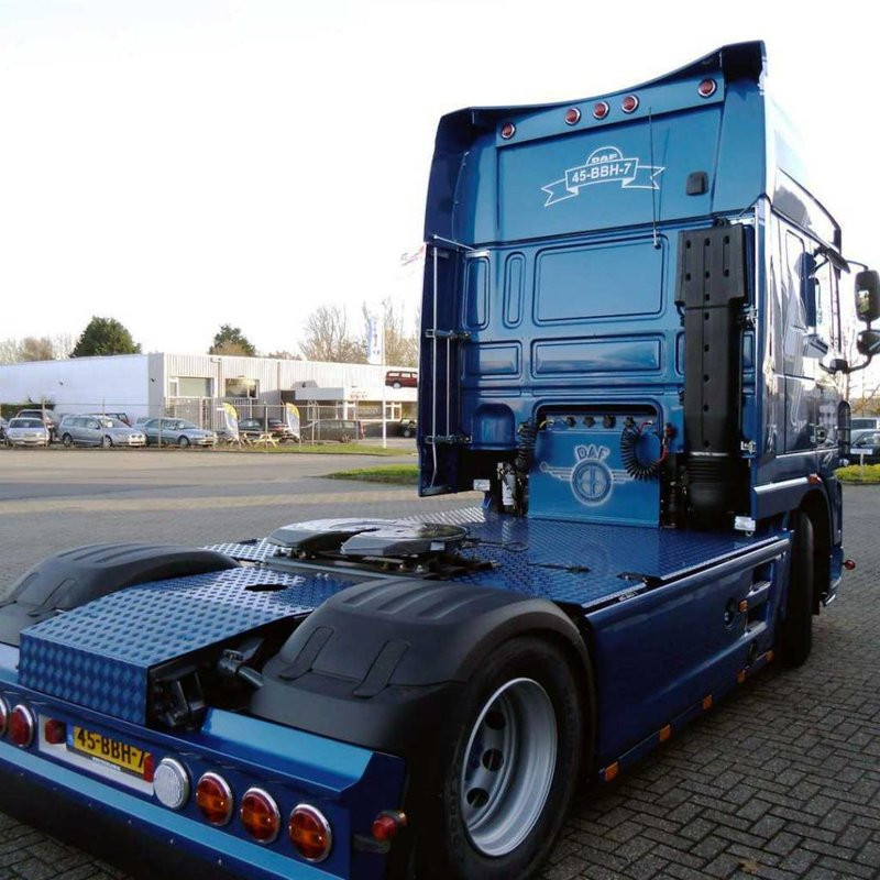daf xf 105 bumper spoiler solarguard exclusive truck parts. Black Bedroom Furniture Sets. Home Design Ideas