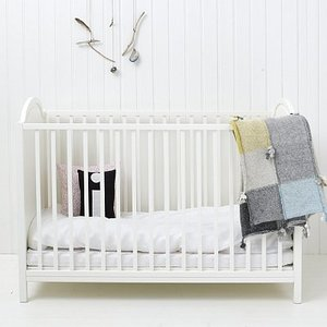 babybett oliver furniture mary the fairy. Black Bedroom Furniture Sets. Home Design Ideas