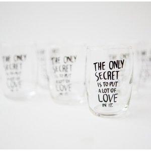 Trinkglas mit originellem Aufdruck