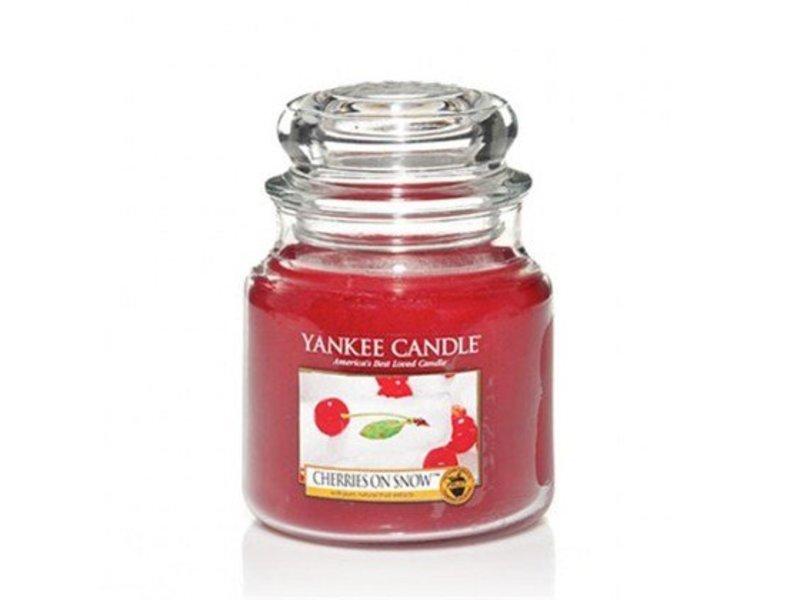 Yankee Candle Cherries on Snow - Medium Jar