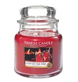Yankee Candle Cosy by the Fire - Medium Jar