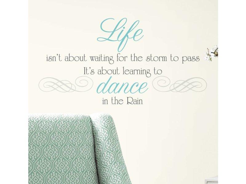 Dance in the Rain tekststicker