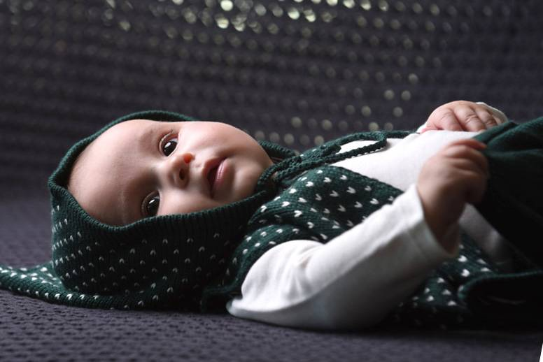 Bamboo & Love  AW17-KV03 KNIT VEST W/ HOODIE C23 - PICKLE DOTS GREEN + PEARL -50%