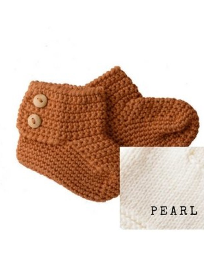 Bamboo & Love   KNIT BOOTIES 2 C22 - PEAR