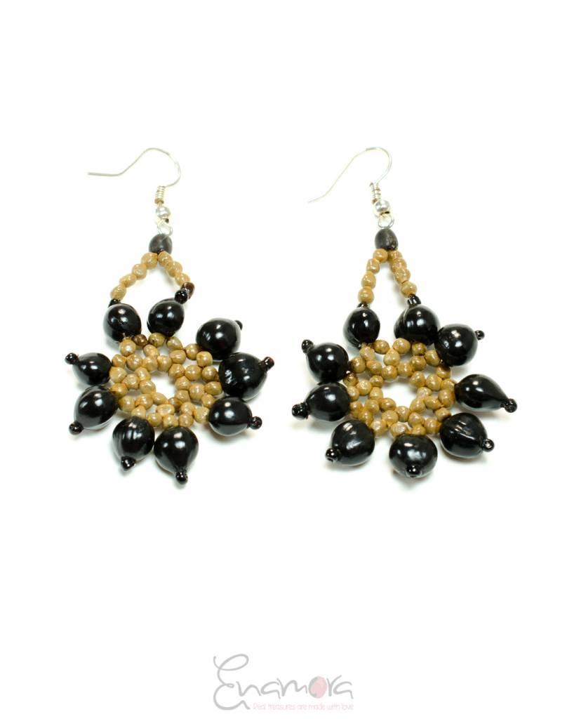 Enamora Zwarte San Pedro bloemen oorbellen