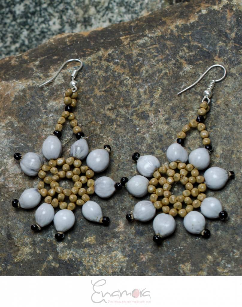 Enamora San Pedro Flower Earrings