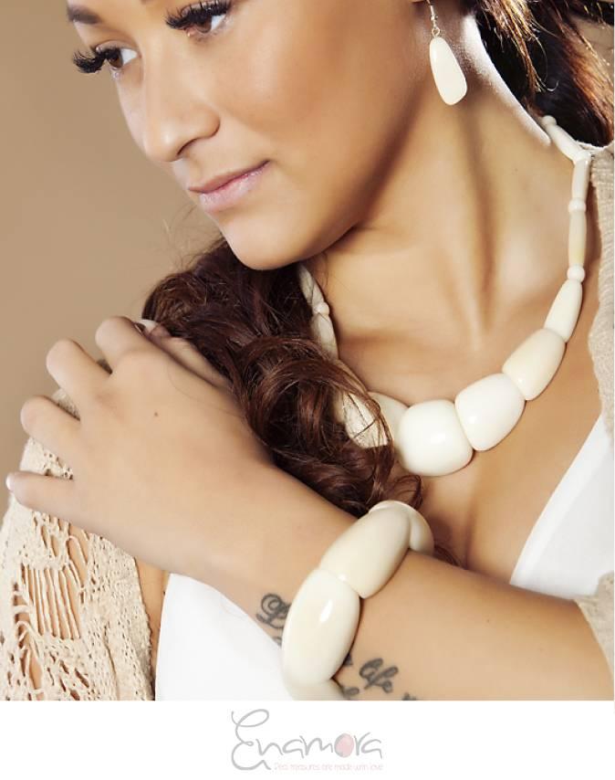 Enamora Tagua Armband Roze by Maria