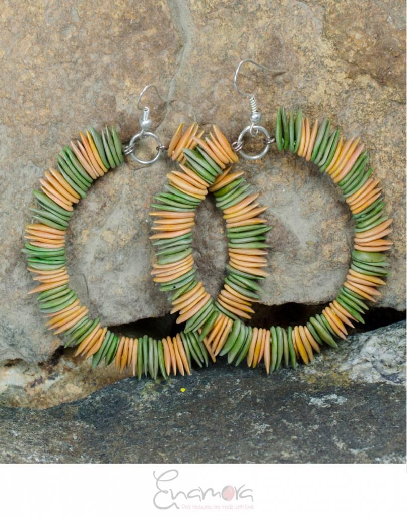 Enamora Eco-chic melon seed earrings