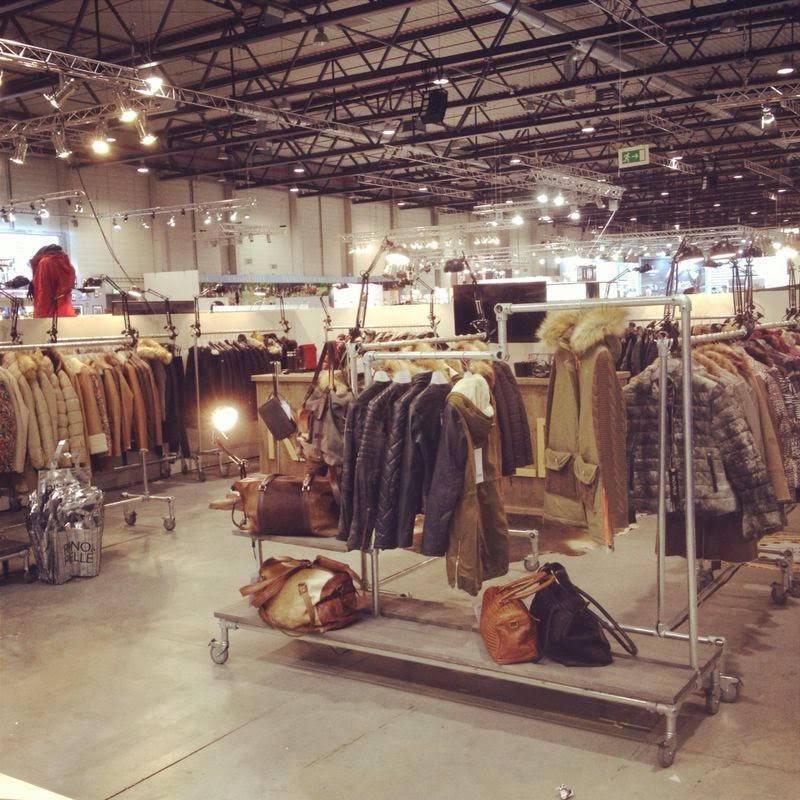 Steigerbuis in kledingwinkels