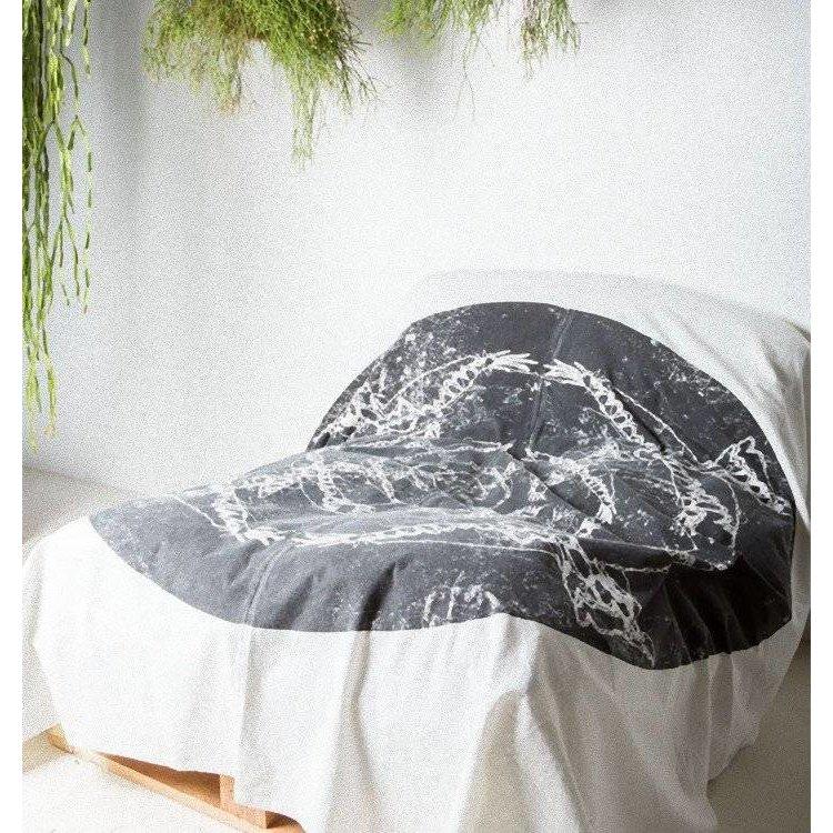 urban nature culture amsterdam plaid unc meets fabel eagle 200x220cm 100 cotton orangehaus. Black Bedroom Furniture Sets. Home Design Ideas