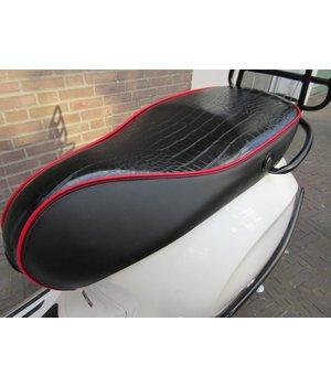 Custom Vespa Primavera Sprint buddyseat zwart/rood