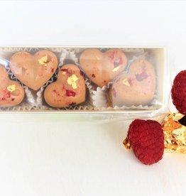 Pralinenherzen mit Himbeeren und Blattgold