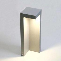 Absinthe Lighting LED garden post Beak 40