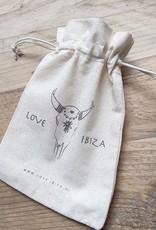 Love Ibiza Zilverkleur Stainless steel armband voor haarelastiekjes Incl. set van 5 smalle haarelastiekjes en 5 dikkere haarelastiekjes en een leuk katoenen kadozakje