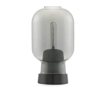 Normann Copenhagen AMP bordlampe sort røg