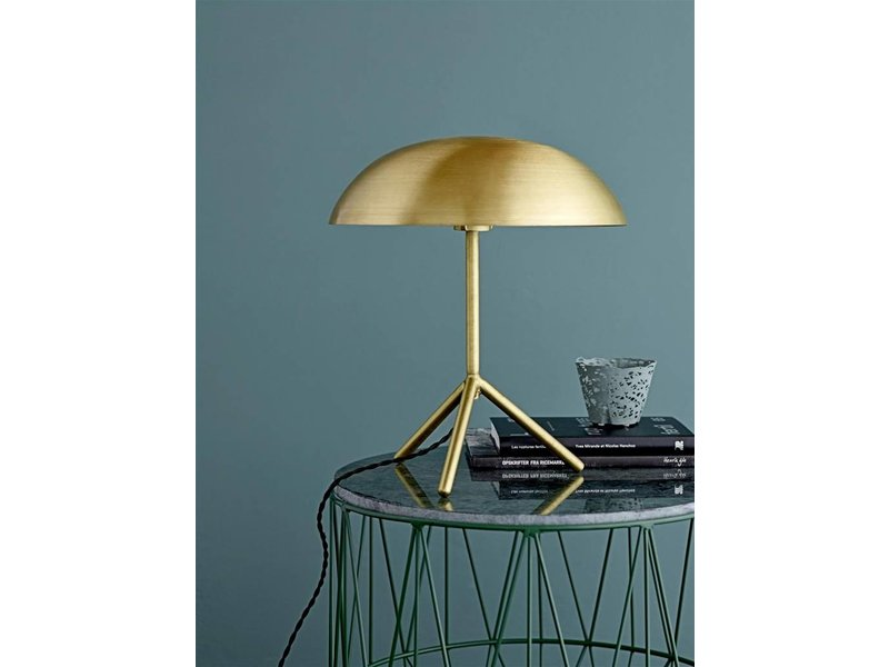 bloomingville lampe de table tripod laiton bross or living and co. Black Bedroom Furniture Sets. Home Design Ideas