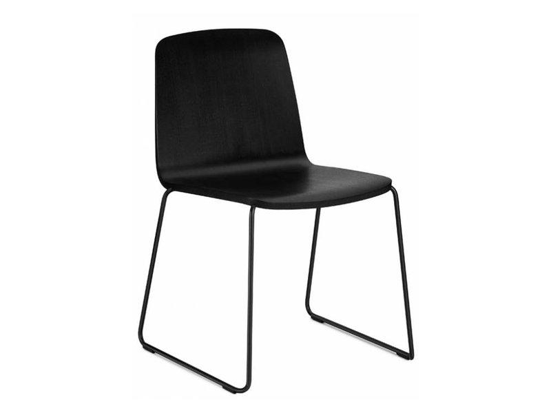 Normann Copenhagen Stoel : Normann copenhagen just chair stoel zwart hout living and co