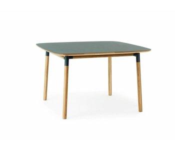 Normann Copenhagen Form tafel eiken groen
