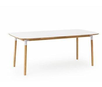 Normann Copenhagen Form tabel hvid eg