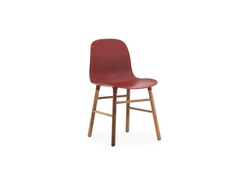 stol rød Normann Copenhagen Form walnut red   LIVING AND CO. stol rød