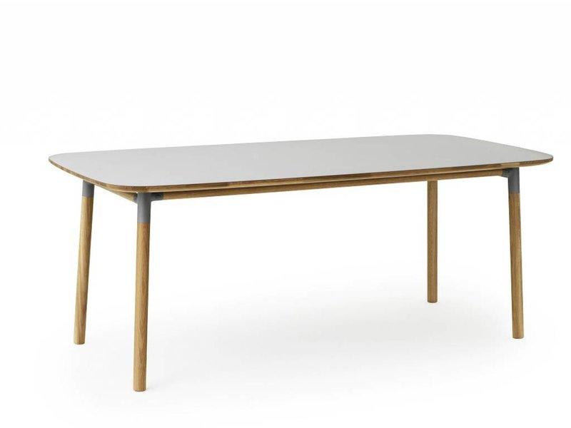 Tafel Grijs Eiken : Normann copenhagen form tafel eiken grijs living and co.