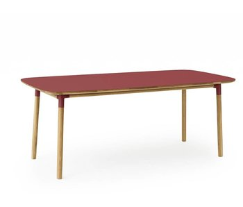 Normann Copenhagen Form tafel eiken rood