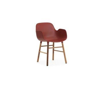 Normann Copenhagen Formare noce sedia rossa Poltrona