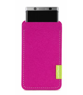 BlackBerry Sleeve Pink
