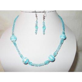 UK Collection Ketting en oorbellen in lichtblauw tinten