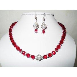 UK Collection Halskette mit dunkelroten Glasperlen und Ohrringen